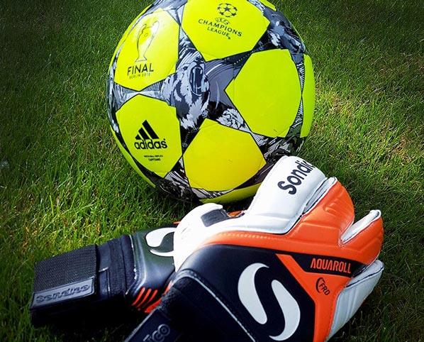 Top Goalkeeper Gloves