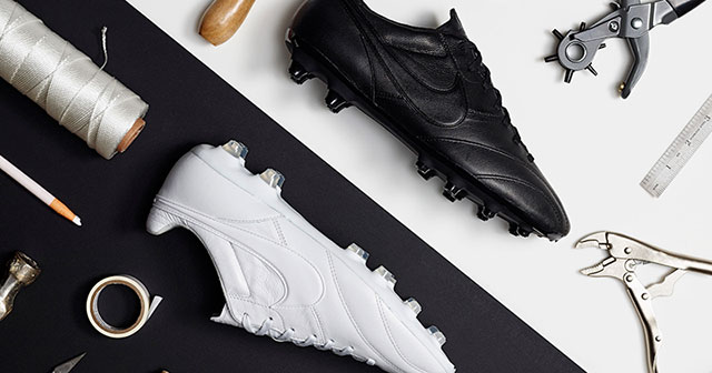 Image of black and white Nike Tiempo Premier boots
