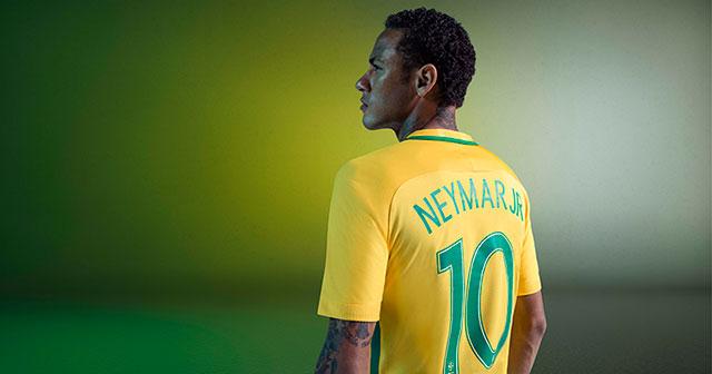 Image of Neymar in Brazil shirt