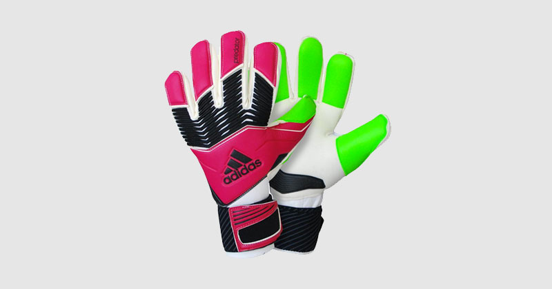 d3b784975 The top goalkeeper gloves in the Champions League and Europa League ...