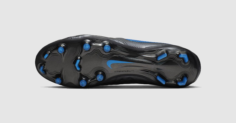 What are moulded football boots? - Your