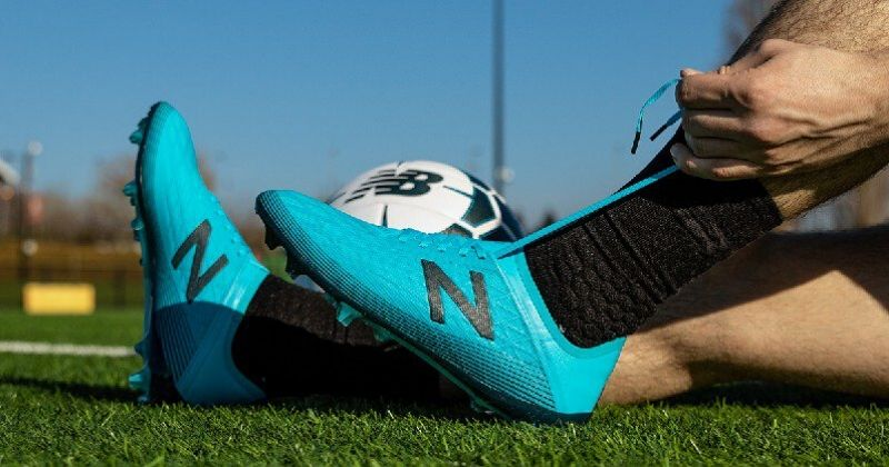bright blue new balance furon v5 boots