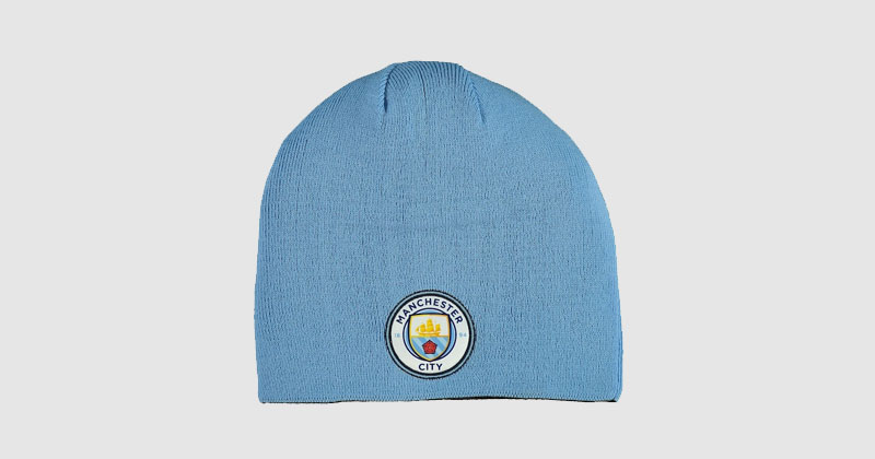 beanie hat featuring man city crest