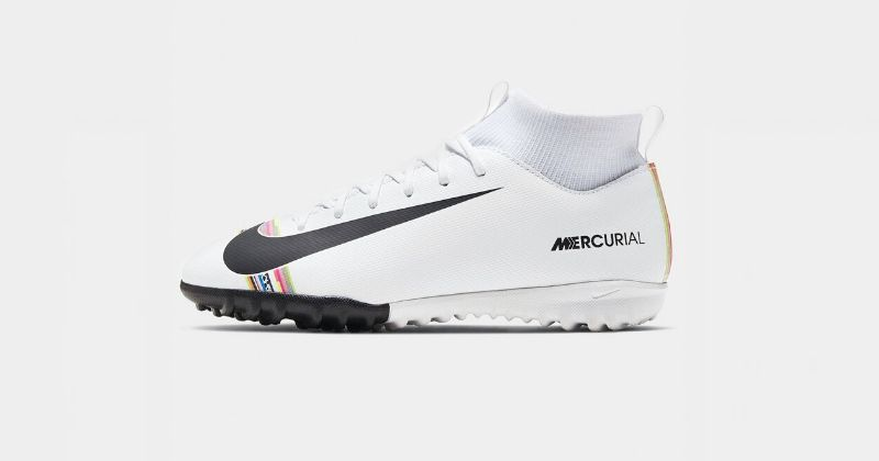 white nike junior mercurial superfly indoor football shoes