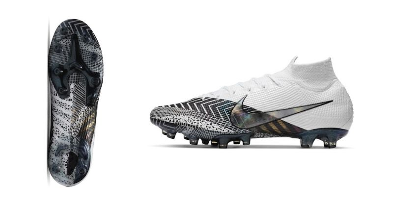 nike mercurial superfly 7 elite ag in white and black
