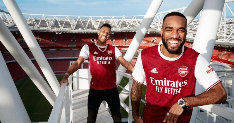 arsenal 2020-21 home kit worn by aubameyang and lacazette