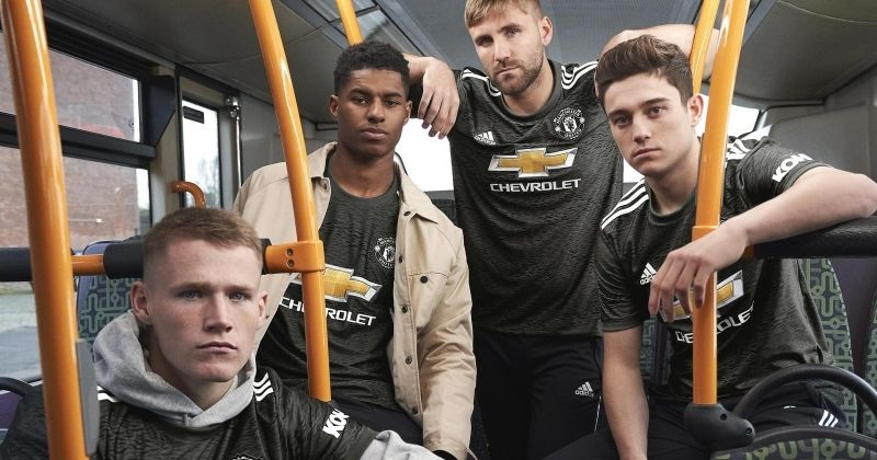 manchester united platers wearing the new 2020-21 away kit