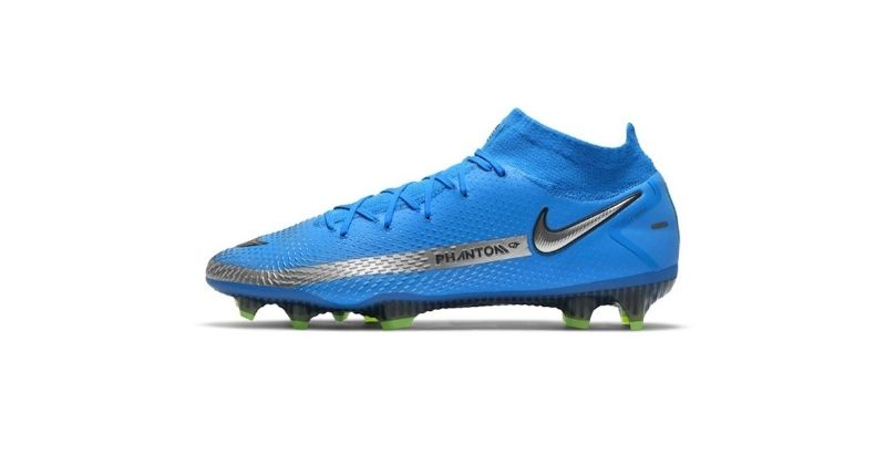blue and green nike phantom gt football boots