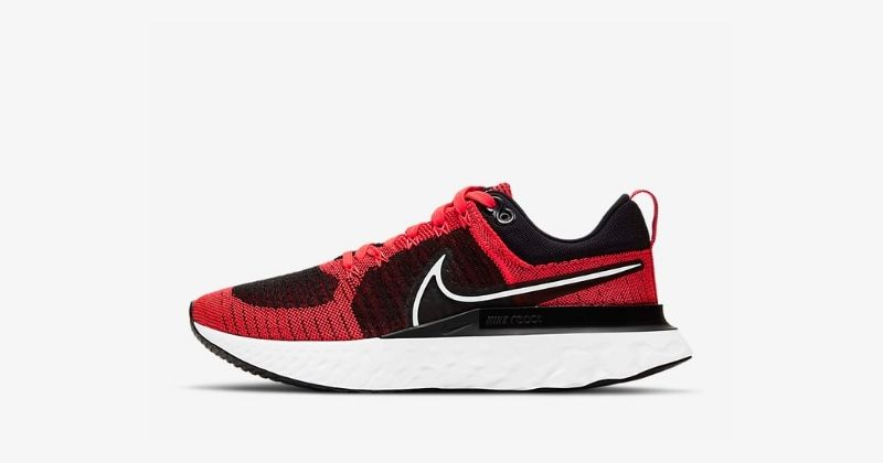nike react infinity flyknit 2 trainers in bright crimson