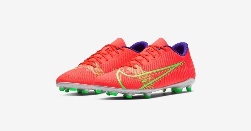 nike mercurial dragonfly club football boots in bright crimson